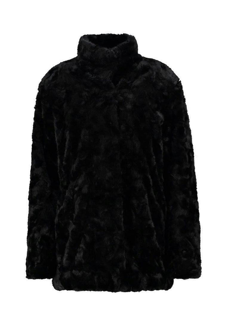 Abrigo de pelo. De Tiger of Sweden Jeans vía Zalando, 269,95 euros.