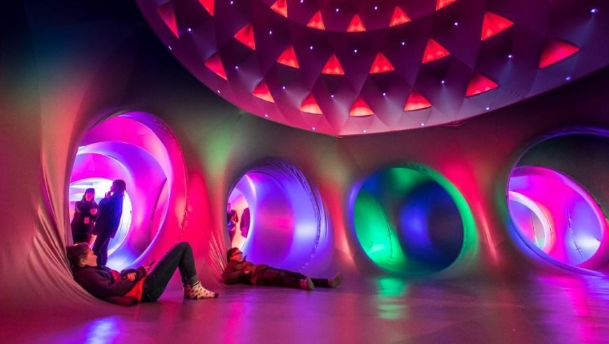 Katena, espacio hinchable y lumínico en Conde Duque