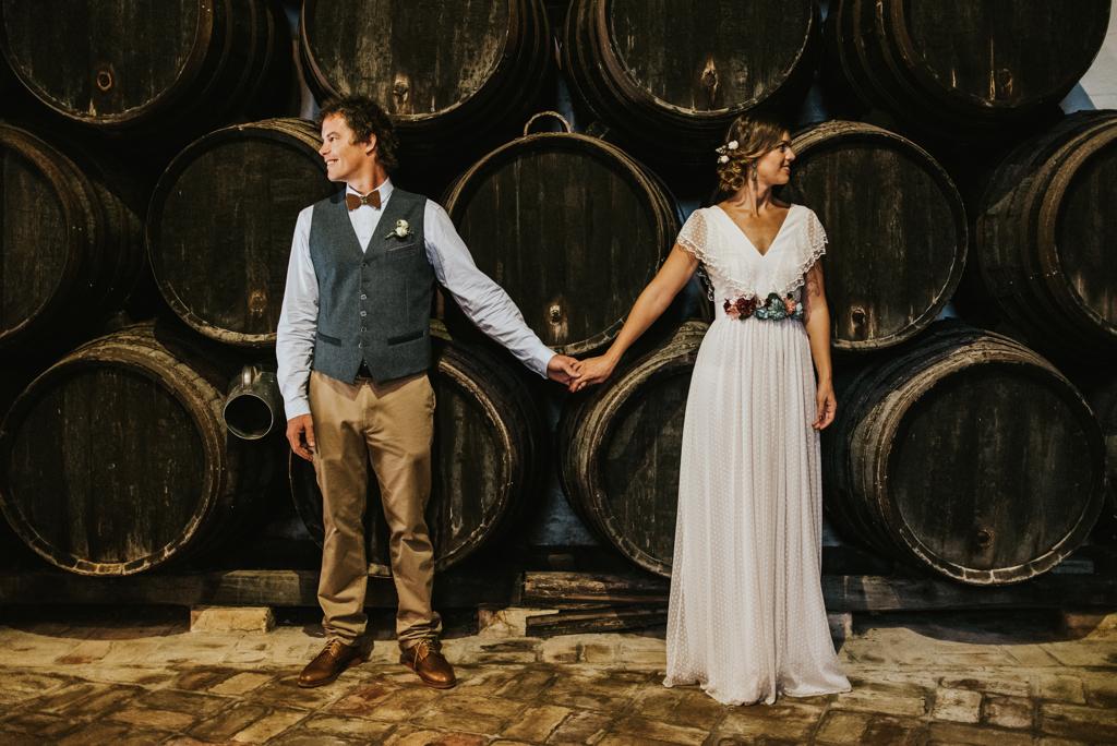 Bradley y Reyes se casaron en una original y coqueta boda de aires...