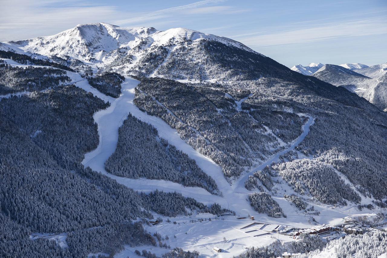 ¿Sabes que puedes esquiar por la pista donde se celebra el campeonato...