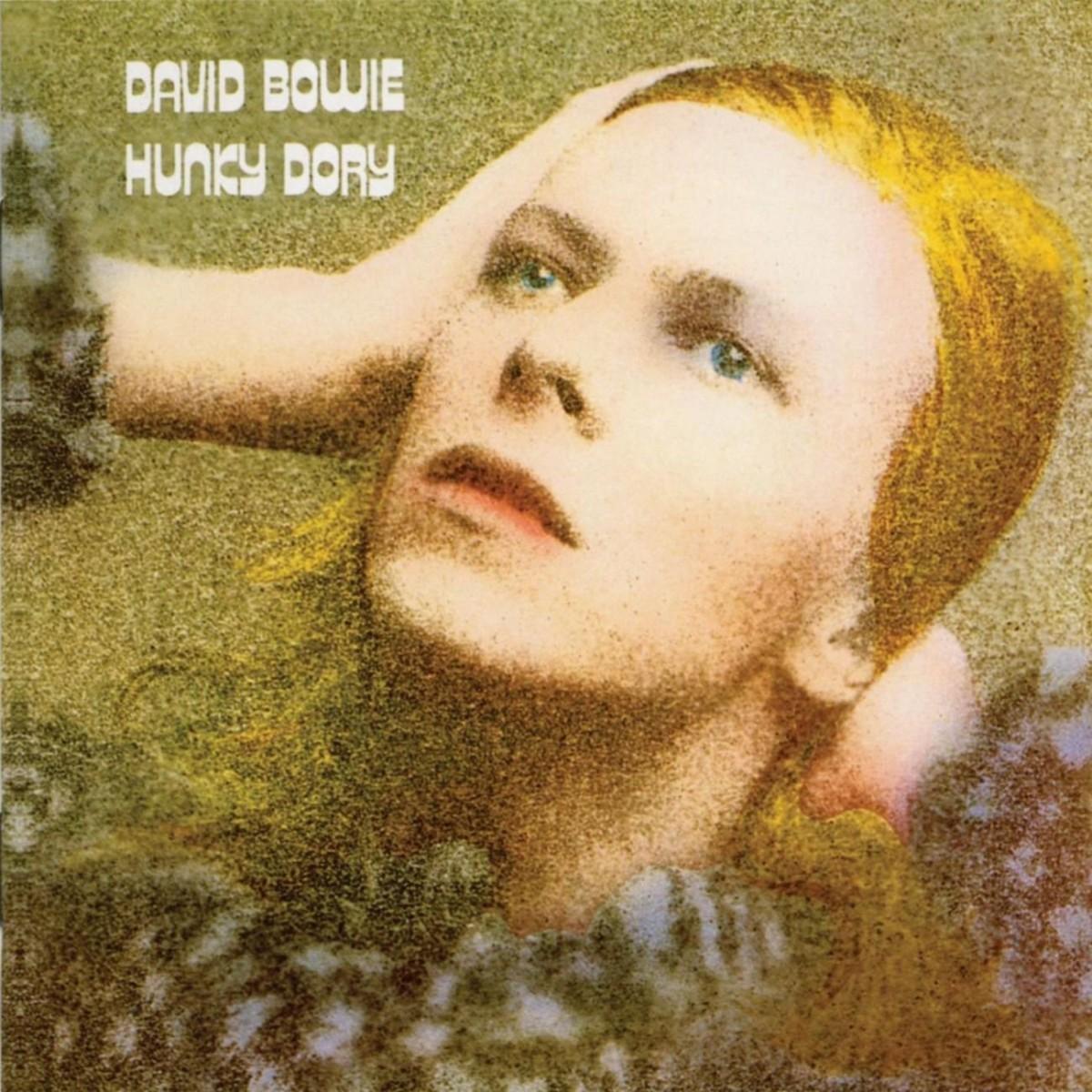 En 1971 David Bowie publica el álbum 'Hunky Dory' y se metamorfosea...