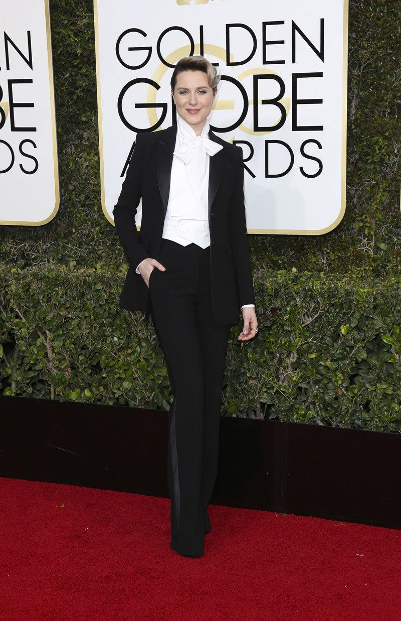 Evan Rachel Wood  en la 74 edición de los Globos de Oro.