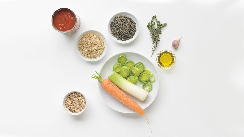 Sopa de cereales, del libro Sopas Detox (Lunwerg Editores).