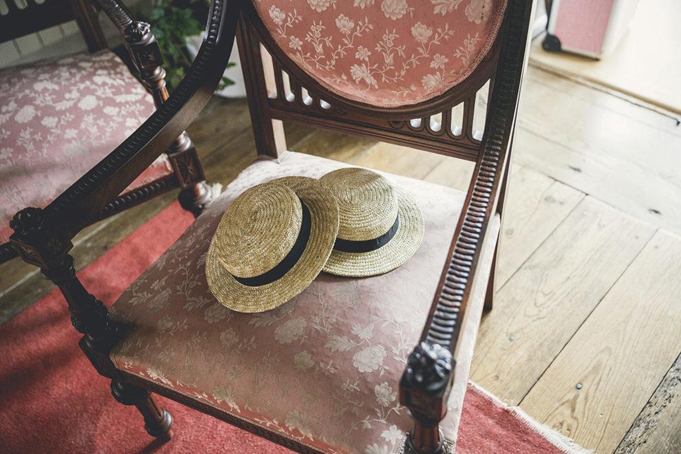 En vez de los típicos tocados, los pajes llevaron unos originales...
