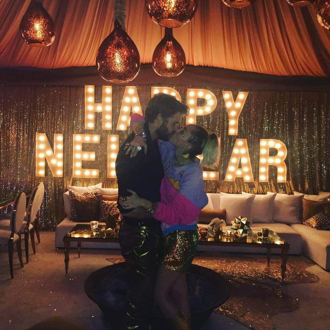 Los rumores apuntan a que Miley Cyrus y Liam Hemsworth se casaron en...