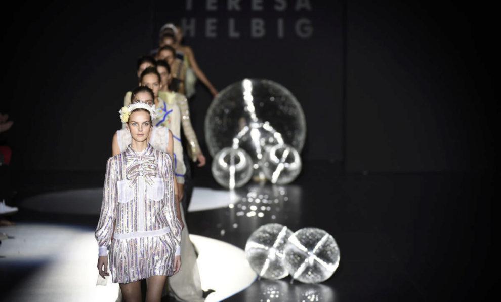 Desfile de Teresa Helbig durante la semana de la moda de Madrid.