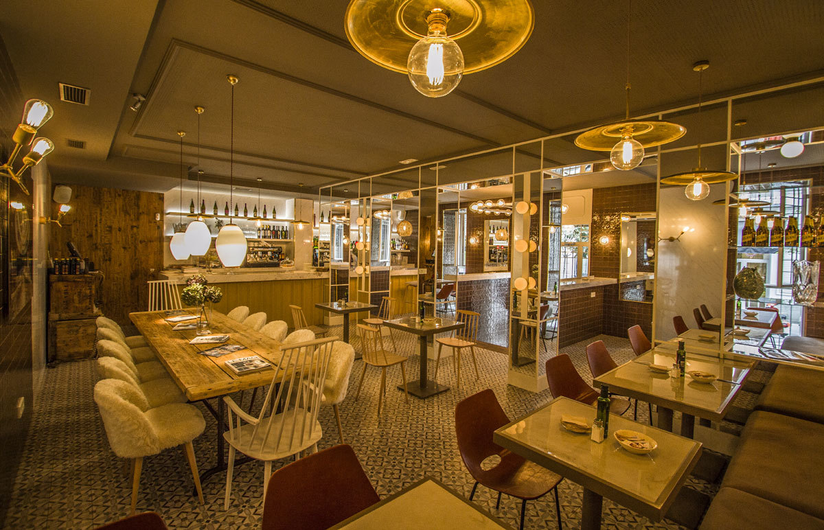 Restaurante Lady Madona, decorado por el interiorista Juan Luis...
