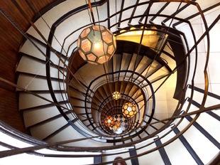 La escalera de caracol  construida en 1957 fue una de las cosas que...