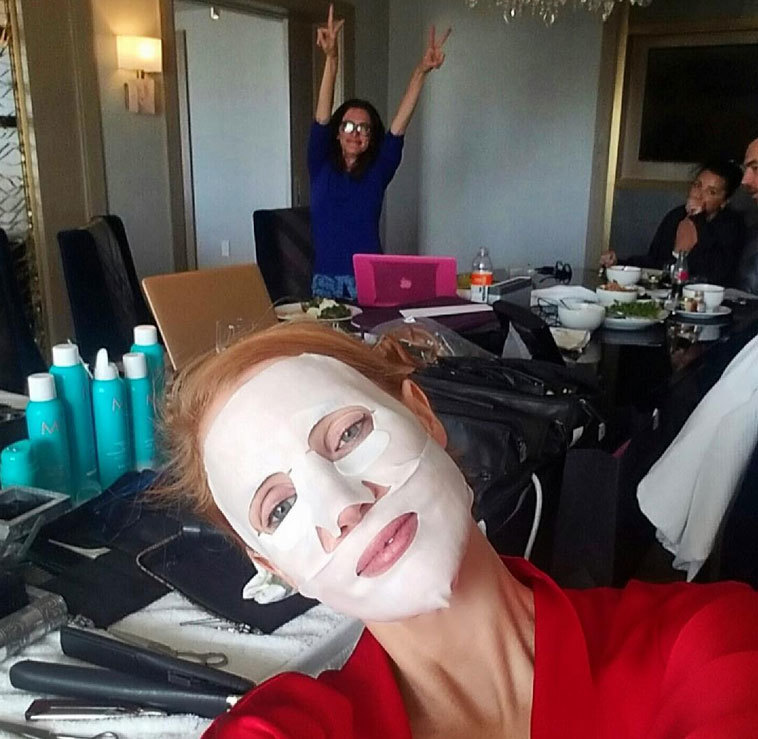Jessica Chastain presumiendo de mascarilla en formato tissue.