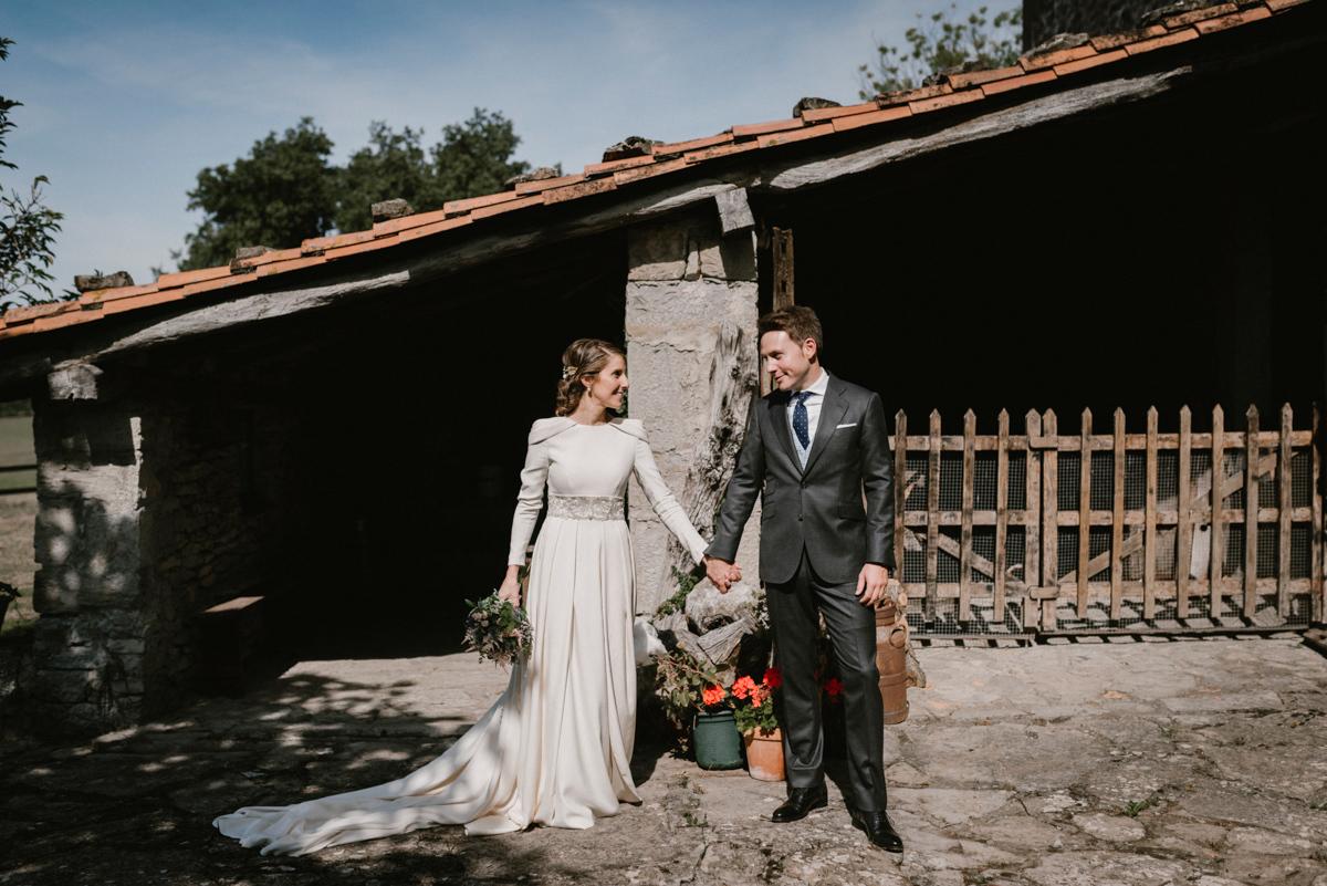 Leicia y Miguel se casaron en una boda de aires rústicos y toques...
