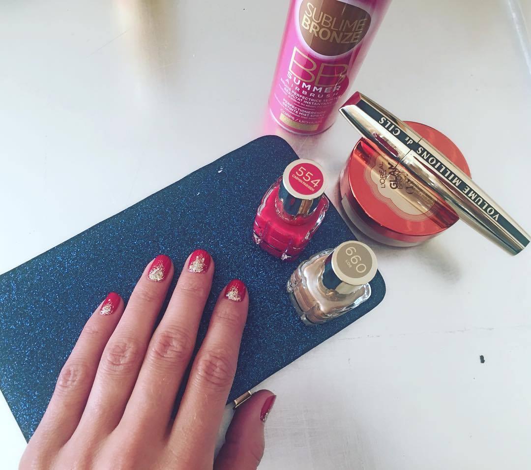 Glitter nails: ¡apúntate a las uñas con purpurina!