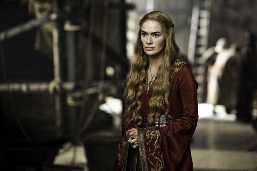 Cersei Lannister. ¿El lema de su familia? Escúchame rugir.