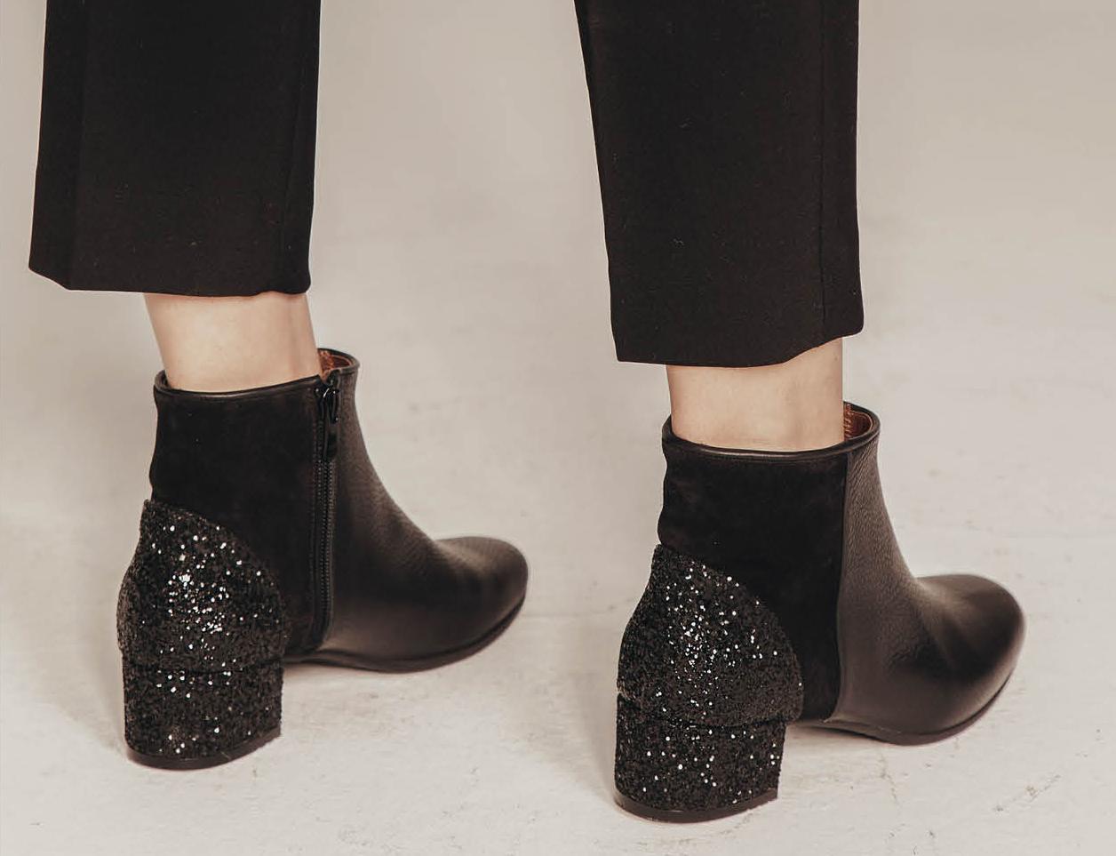 Fabricados completamente en España, cada zapato se produce a mano por...