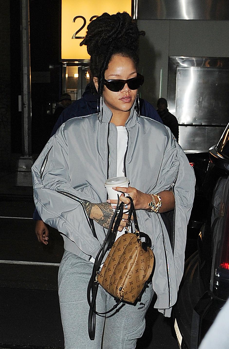 La cantante Rihanna también la lleva.