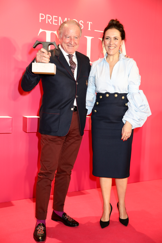 Alberto Morillas, Premio TELVA Belleza al Experto del Año, junto a...