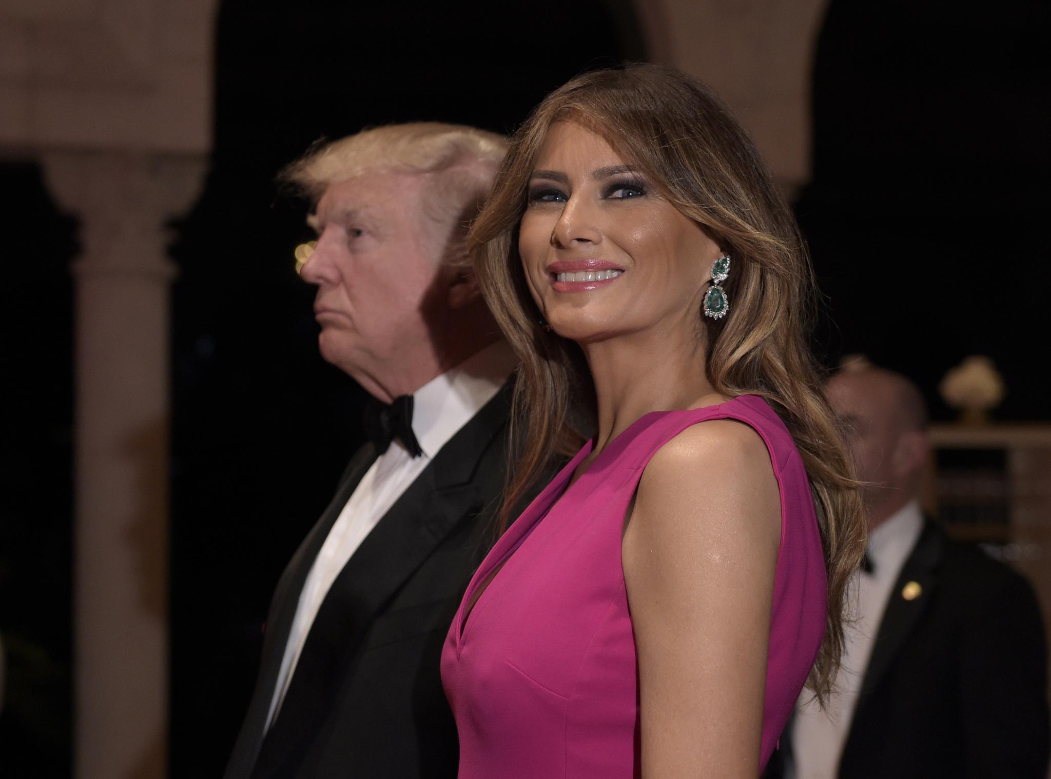 Melania Trump durante la Gala del 60 aniversario de la Cruz Roja en...