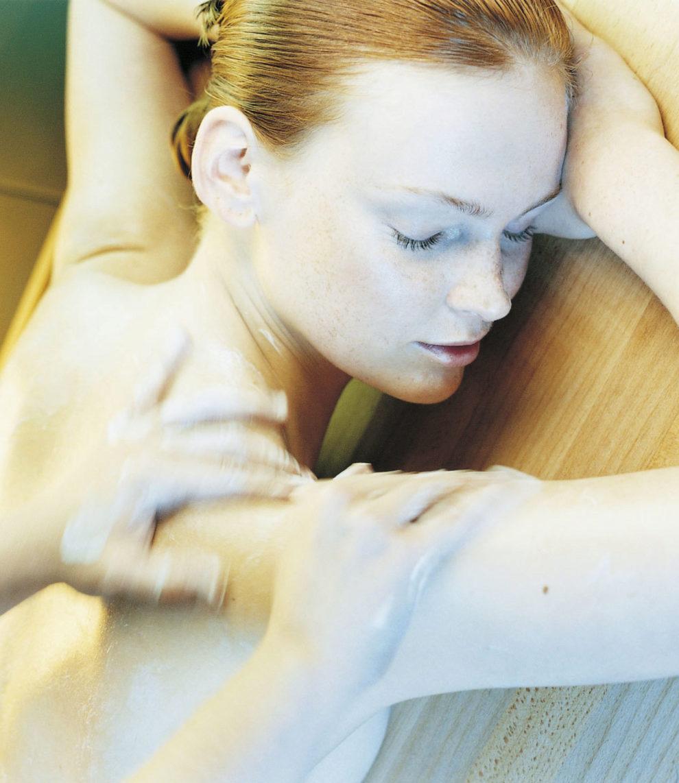 Un masaje lento, suave, rítmico e indoloro para combatir la...