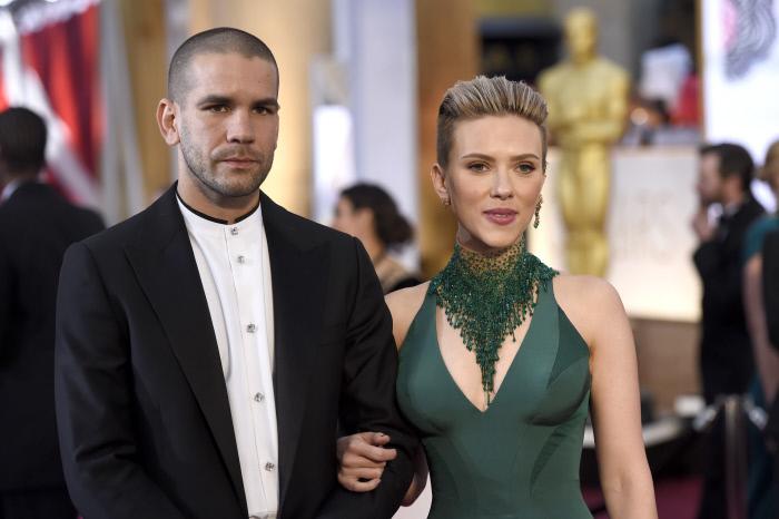 Scarlett Johansson y su exmarido Romain Dauriac durante una de sus...