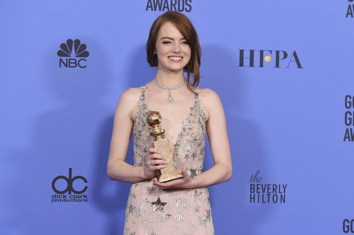 Emma Stone en los Globos de Oro 2017.