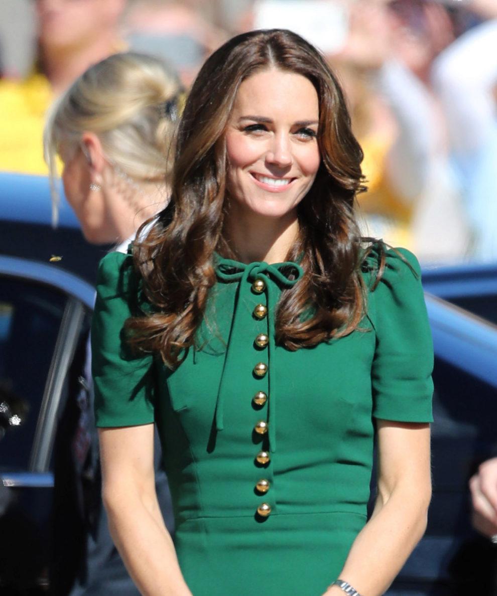 La Duquesa de Cambridge, Kate Middleton, se lleva a Amanda Cook, su...