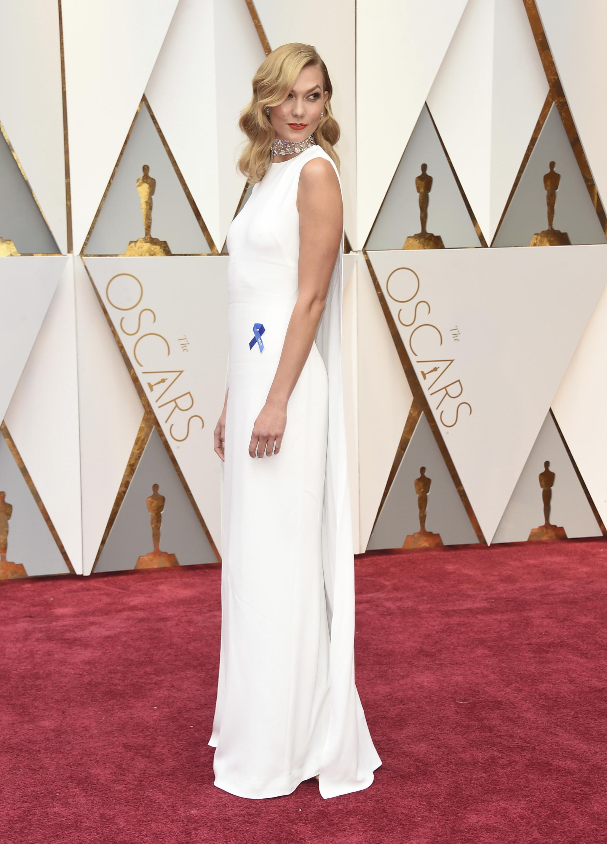 Karlie Kloss en la gala de los Oscar 2017.