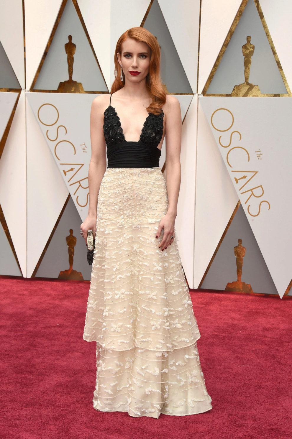 La actriz ha lucido un vestido de la primera colección de Armani...