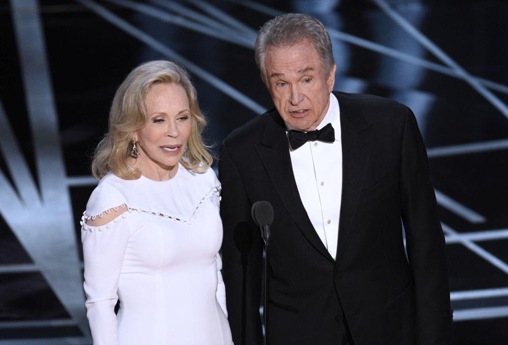 Faye Dunaway y Warren Beatty durante los Oscar 2017