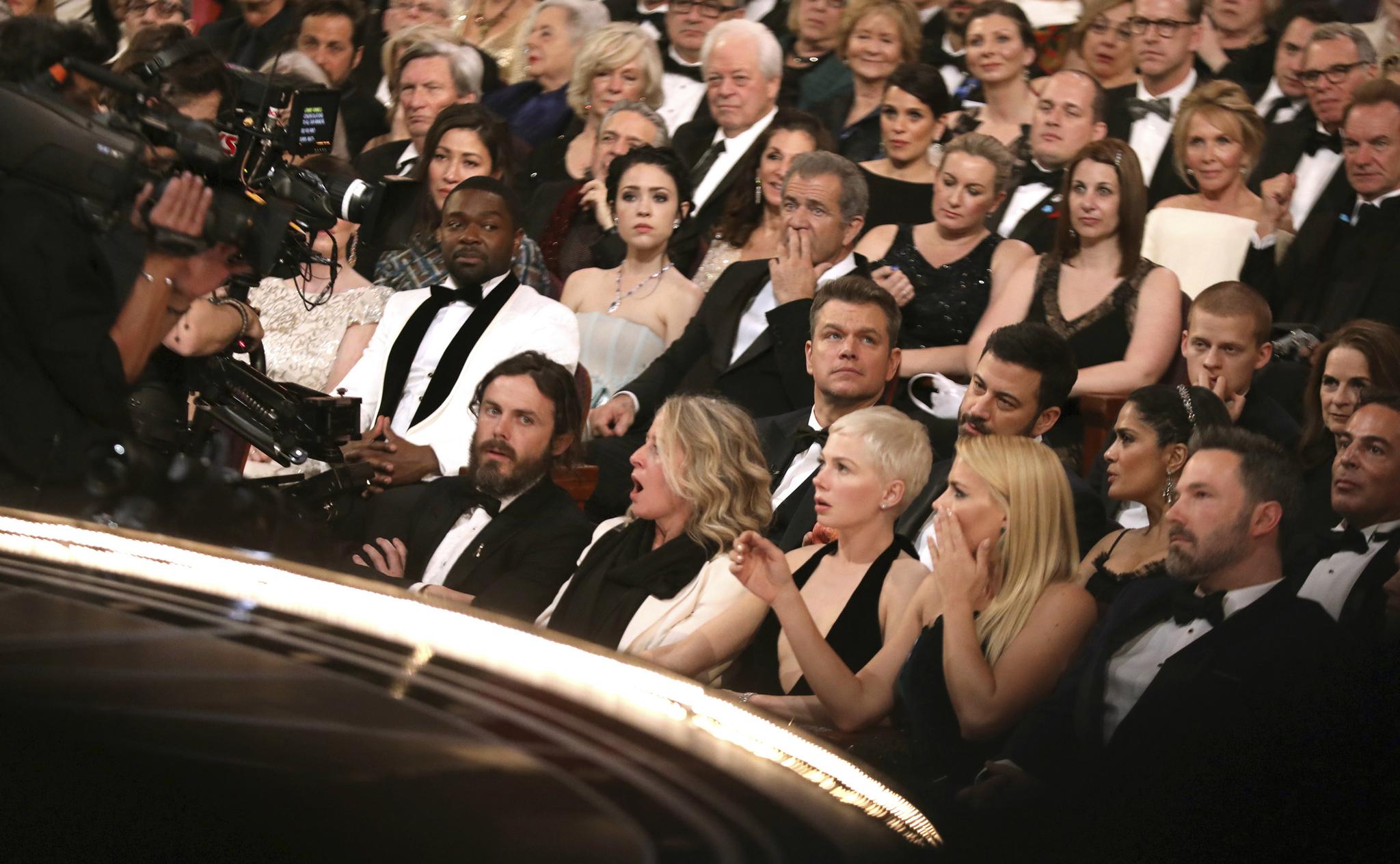 Momento en el que el público asistente daba cuenta del error, sin...