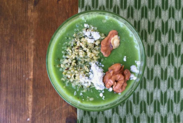 Batido Green Smoothie de pera, amasake y hierba de cebada