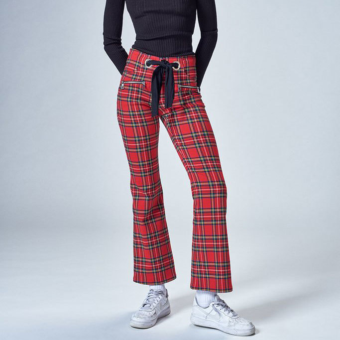 Pantalones de cuadros. De Miouxx (c.p.v.).