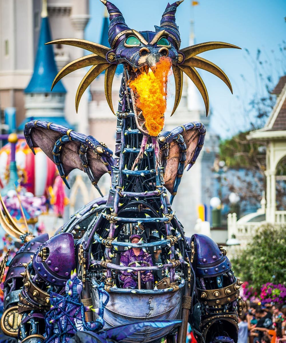 Cabalgata Disney Stars on Parade aniversario de Disneyland Paris donde...