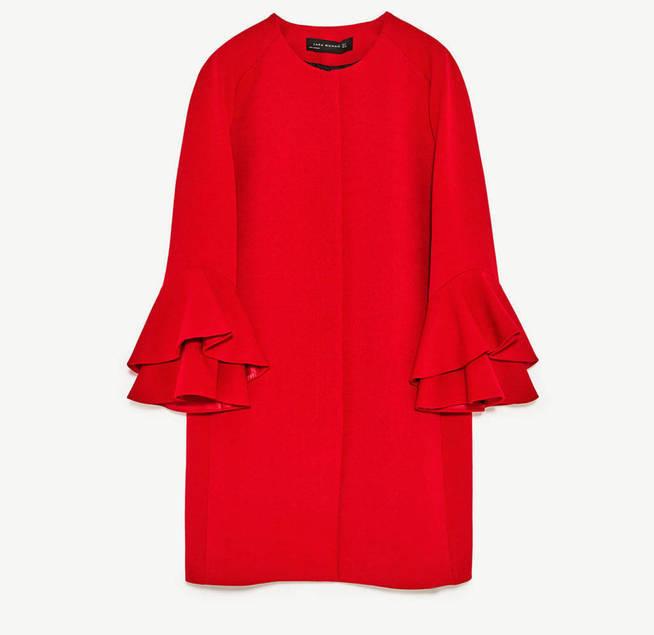 La chaqueta con mangas de volantes de Zara