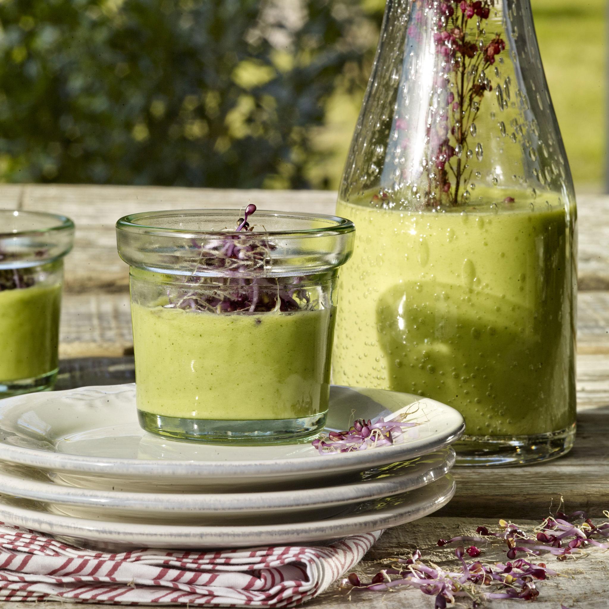 Gazpacho de calabacín y aguacate
