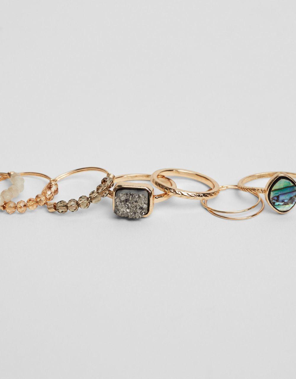 Pack anillos variados, De Pull&Bear (5,99 euros).