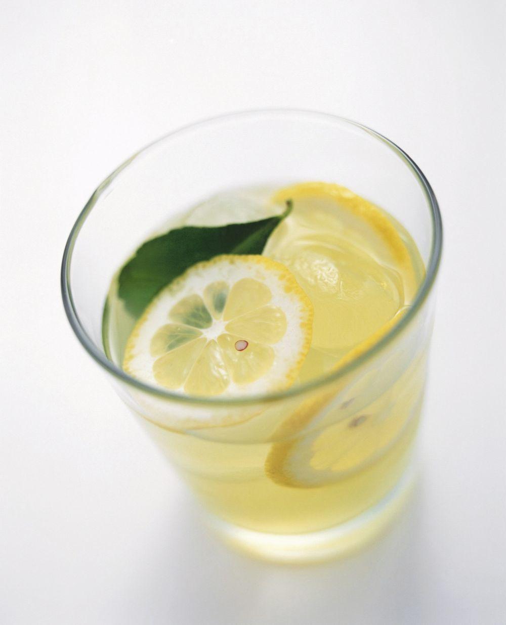 Agua de limon con ajo para adelgazar