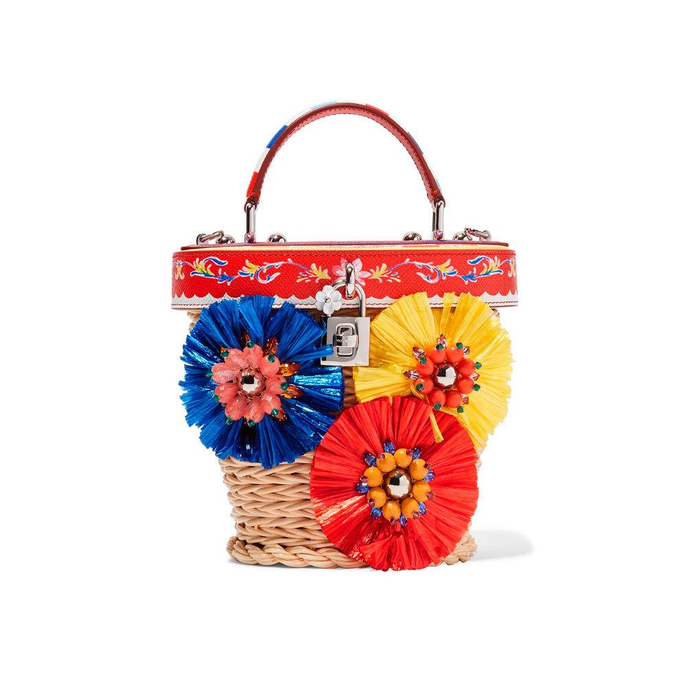 De Dolce & Gabbana (2250 euros).