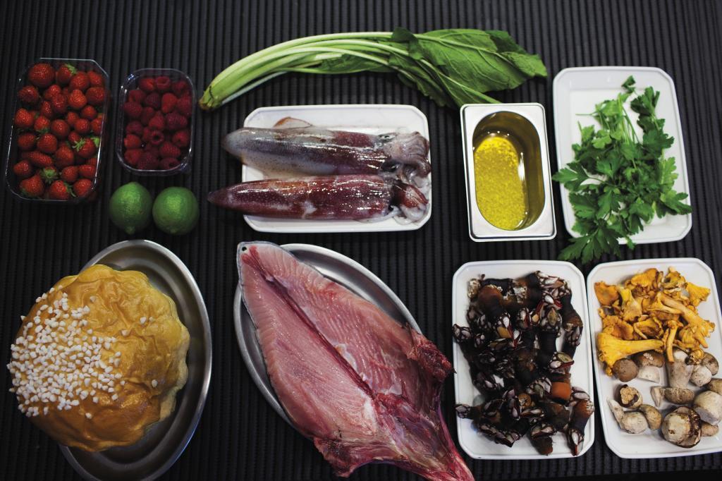 Los 10 alimentos que nunca faltan en el menú de los expertos en...