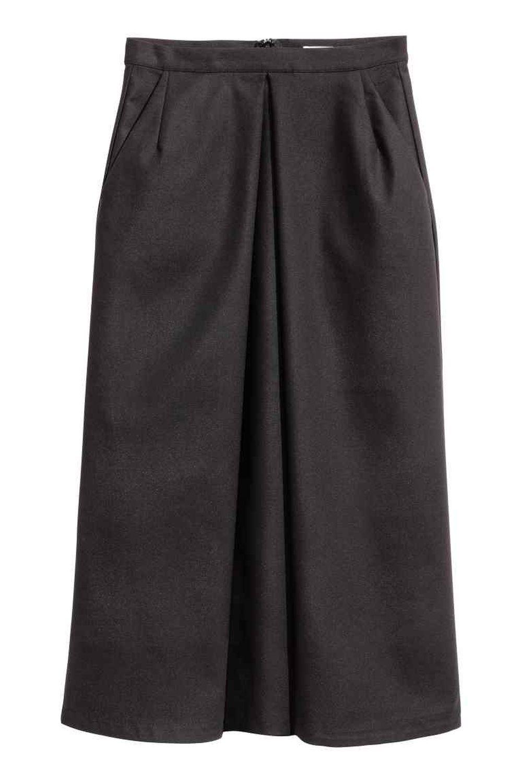 Falda midi negra. De H&M (17,95 euros).