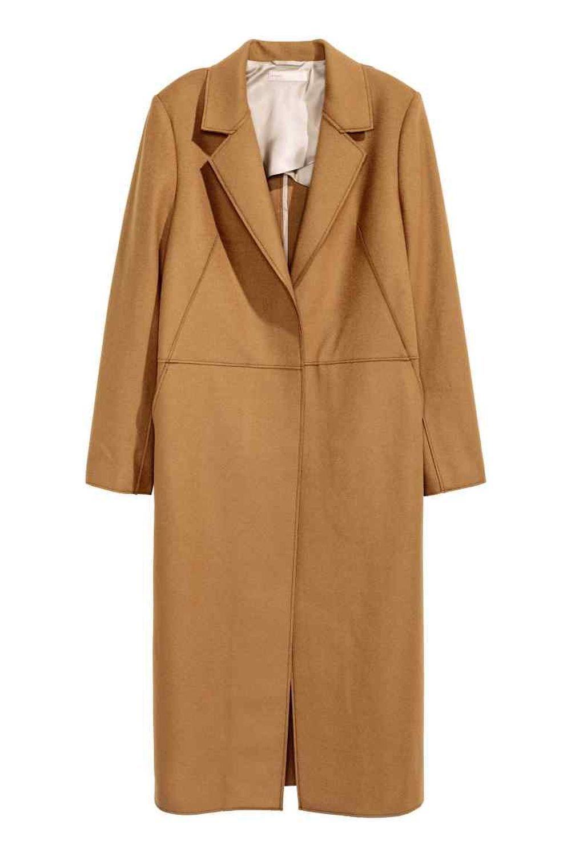 Abrigo camel largo. De H&M (49,99 euros).