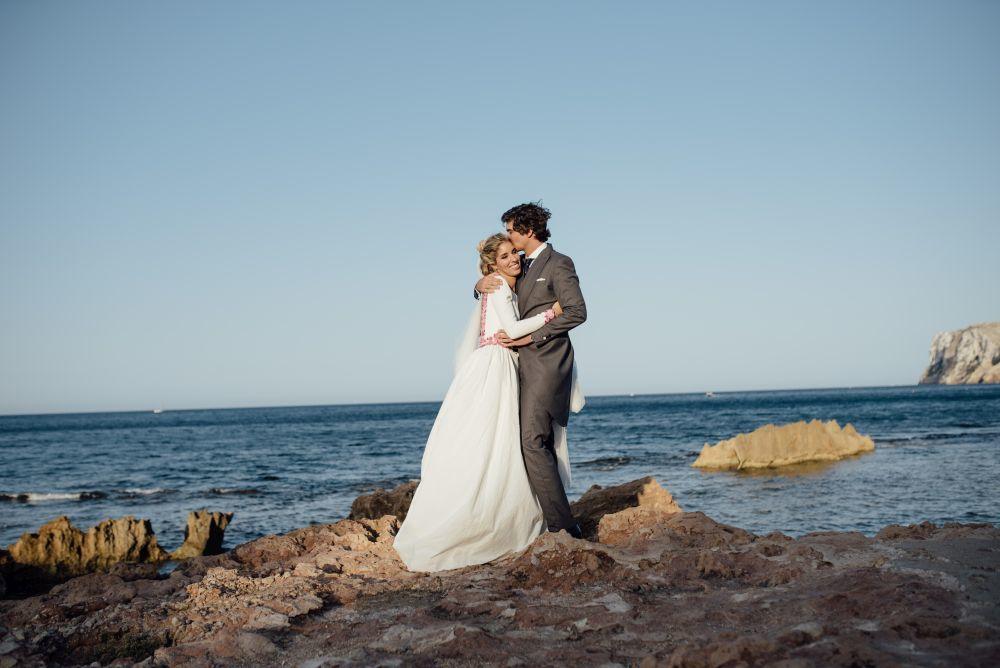 María y Fran se casaron una boda con temática vinícola en una...