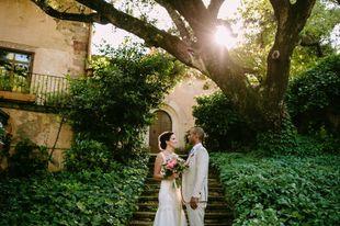 Pilar y Shayne se casaron en una boda de aires tropicales y muy...