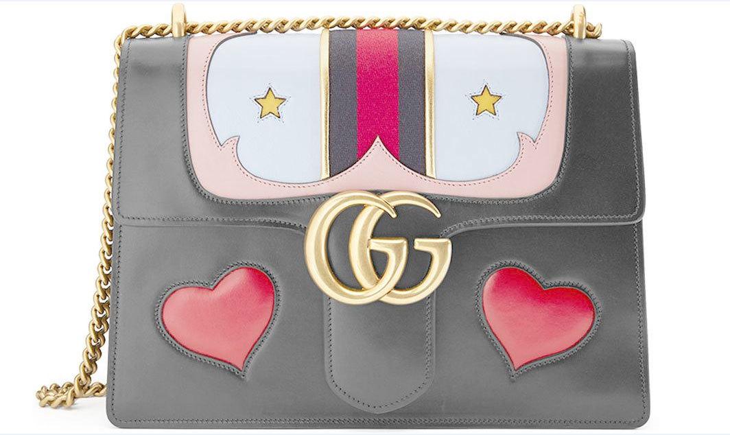 Bolso con corazones. De Gucci (c.p.v.)