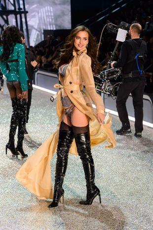 Irina Shayk en el desfile de Victoria's Secret que se descubrió...