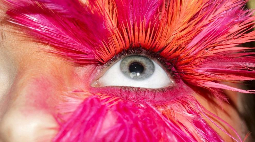 Los mejores productos de belleza para conseguir la raya del ojo...