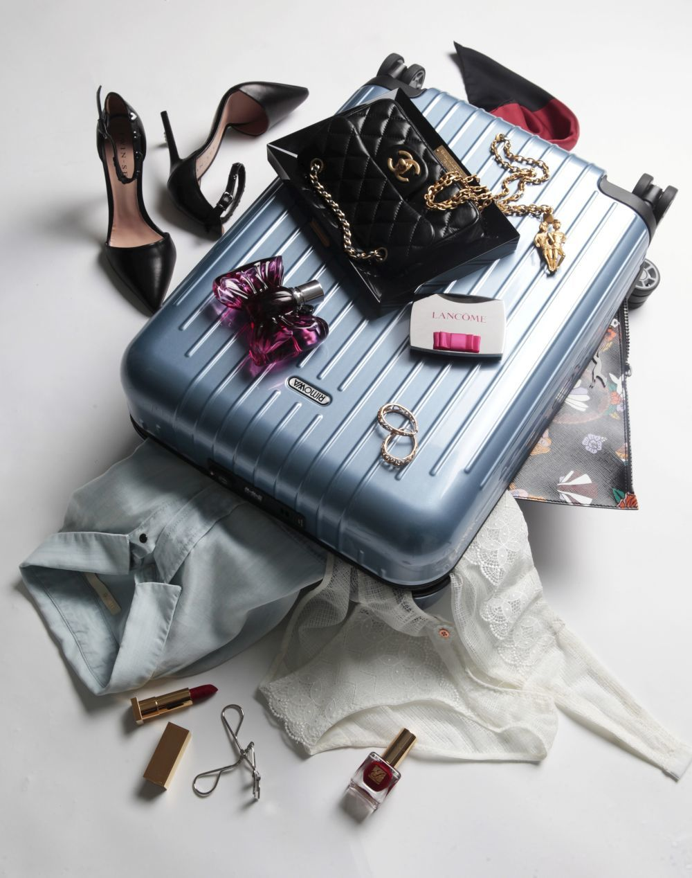 Descubre las prendas que componen la perfecta maleta de fin de semana.