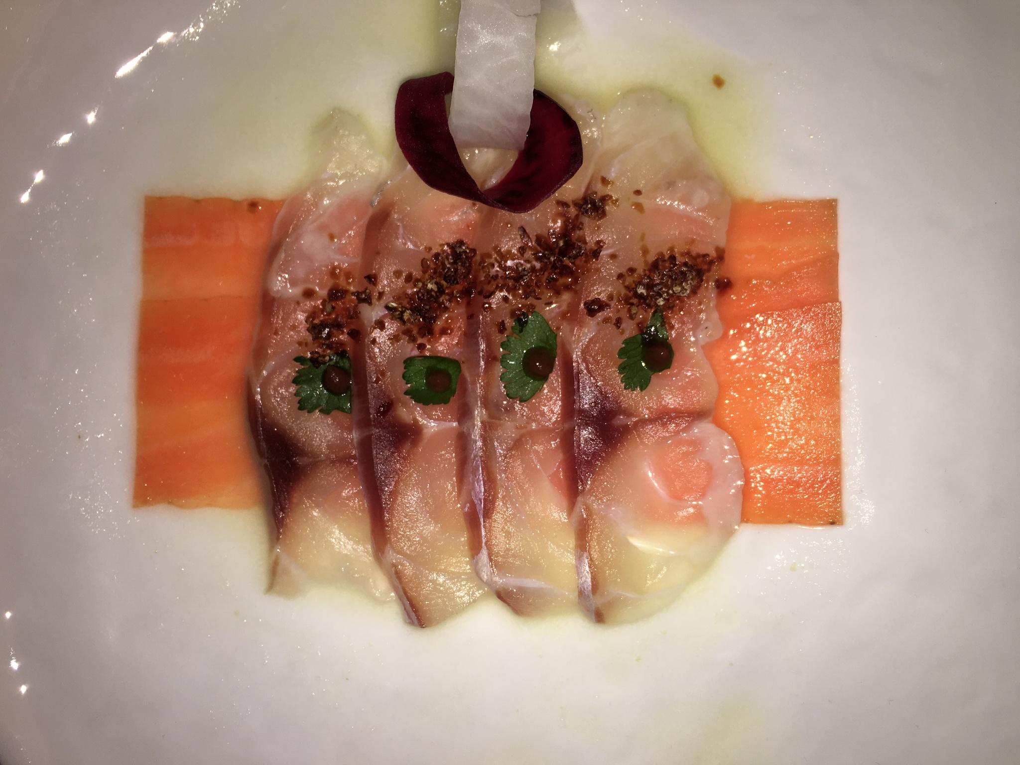 Uno de los 12 platos del menú de Nobu y Dani García: tiradito de...