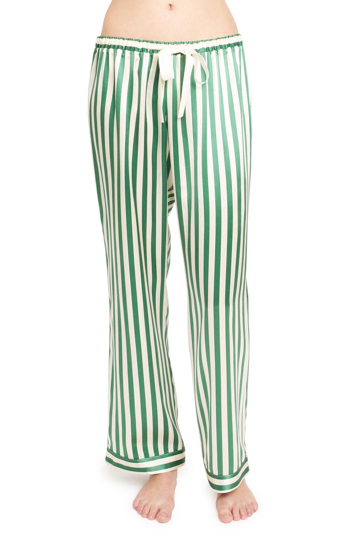 Pantalón de pijama de rayas. De Morgan Lane (238 euros).