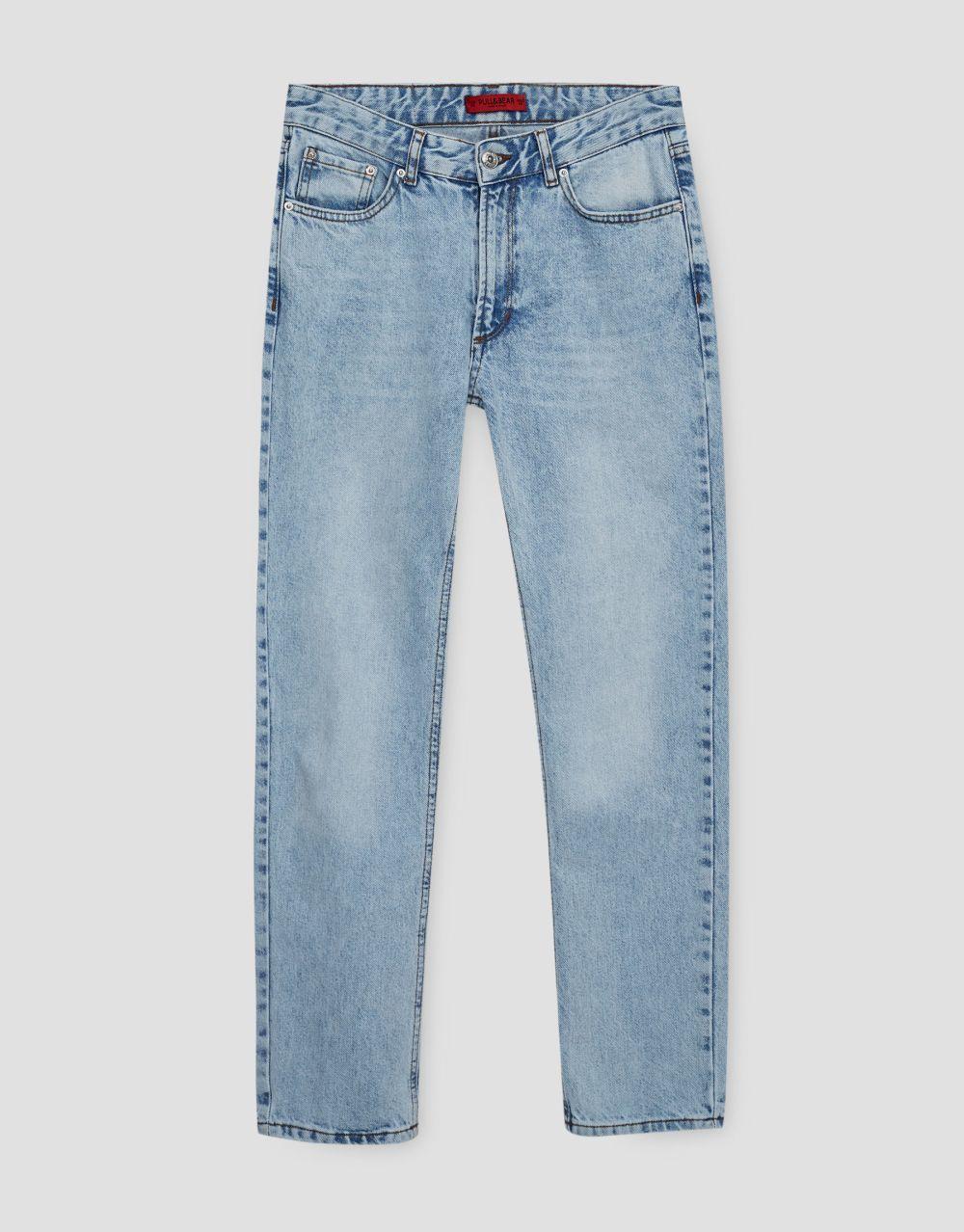 Jean tiro recto. De Pull&Bear (29,99 euros).