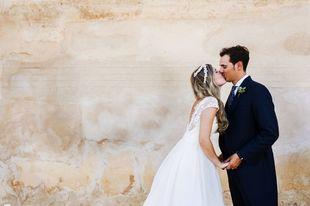 Sofía y Manuel se casaron en una boda sencilla y minimalista con...