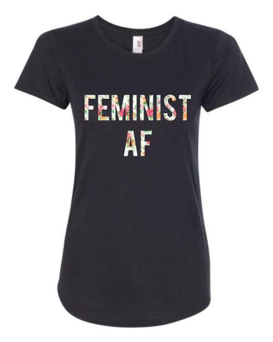 Camiseta feminista. De Loven Birds Design vía Etsy.com (20,74 euros).